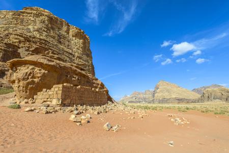 Ruïnes van Lawrence of Arabia's House in Wadi Rum woestijn, Jordanië Stockfoto - 35597492