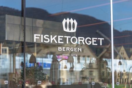De beroemde vismarkt in Bergen - een van de zeer bezochte toeristische attracties in Bergen. Stockfoto - 38763880
