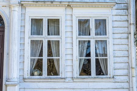 Dit museum biedt een zeldzame blik op een kleine stad leven in de 18e en 19e eeuw met diverse antieke woningen en winkels, een bakkerij, en zelfs de plaatselijke kapper en de tandarts van de stad. Stockfoto - 38764252