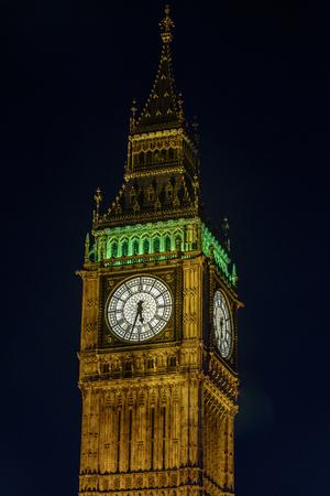 Closeup of Big Ben at Night in London, UK Stockfoto