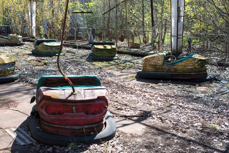 Abandoned amusement park in Pripyat, Chernobyl alienation zone. Banque d'images