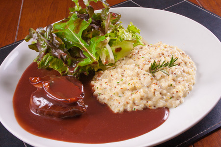 wine sauce: Fillet Migon with wine sauce and piamontese rice
