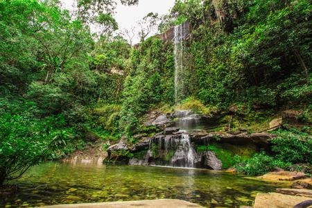 ロザリオと Pirenopolis、ブラジルのゴイアス州の滝