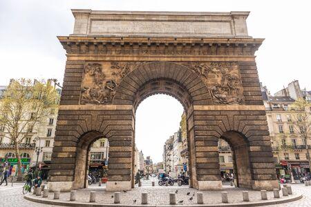 Paris, France - APRIL 8, 2019: City architecture details. Cozy Street. Metro. Cityscape of Paris, France 報道画像