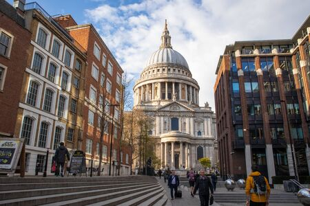 London, England - APRIL 2, 2019:St Paul Cathedral in London, UK 写真素材 - 133706855