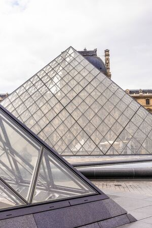 Paris, France - APRIL 9, 2019: Alternative angles of the Louvre Museum, Paris, France 写真素材 - 133706874