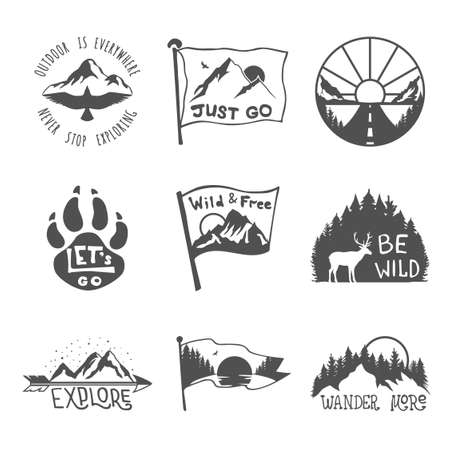 Ensemble de neuf emblèmes de voyage noirs. Emblèmes d'aventure en plein air de camping, patchs de badges. Tourisme de montagne, randonnées. Étiquettes nature dans un style vintage Vecteurs