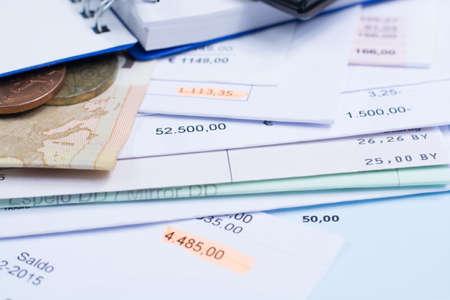Hypotheken Und Stromrechnungen Ausländische Münzen Und Dollar