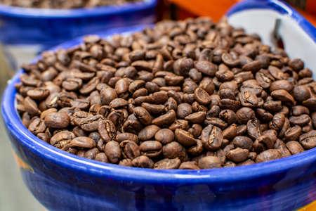 Roasted decaf coffee beans without caffeine close up Zdjęcie Seryjne