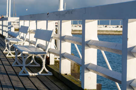 Cold winter day on famous old wooden pier in Sopot, located on Baltic sea, Poland Stockfoto - 130756410