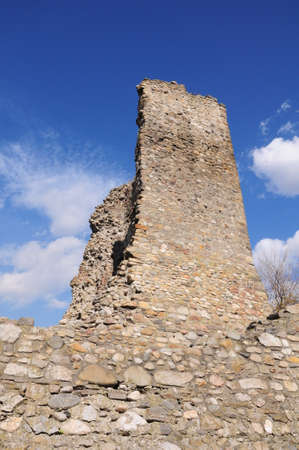 dilapidation: Ruin old wall