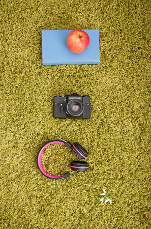 green carpet: Accessories for a break on the green carpet