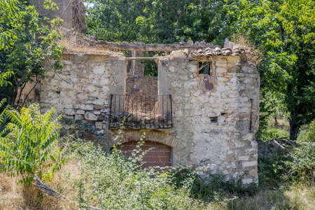 Abandoned house on the bed of the Palancia river as it passes through Teresa