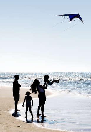 해변에서 행복 한 가족