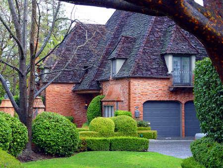Casa de ladrillo rojo  Foto de archivo - 347484