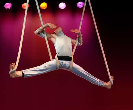 akrobatik: Seilt�nzer auf Stadium Lizenzfreie Bilder