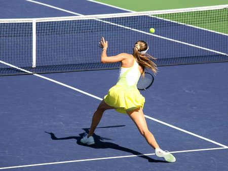 プロ大会テニスの女性