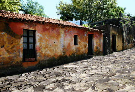 Street of an old Portugese colony in Uruguay Imagens