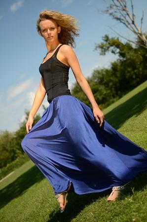 Blaues kleid schwarze spitze