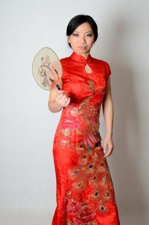 Young Chinese Frau In Erotischen Krankenschwester Kostüm Gekleidet ...