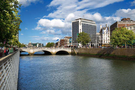 liffey: OConnell Bridge over the river Liffey in Dublin City Centre, built between 1791 and 1794, it is 45 meters long and 50 wide