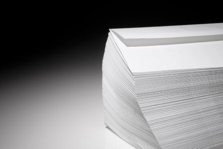 stack of envelopes Stok Fotoğraf - 99171935