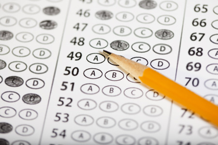Close up of a multiple choice standardized test. Imagens - 99846839