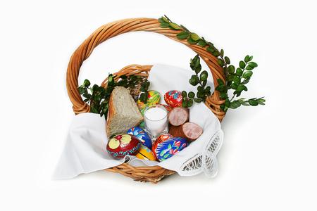 Traditional Easter basket. Archivio Fotografico - 107355104