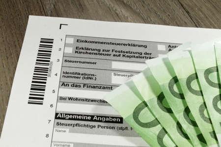 delito: Formulario de declaraci�n de impuestos alem�n Foto de archivo