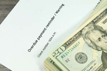 debt collection: Overdue notice and money
