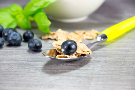 muesli: teaspoon and muesli