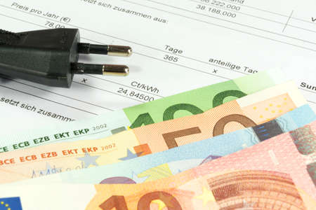 electricity providers: Electricity bill and cash