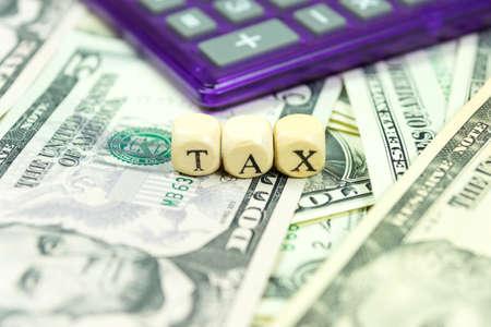 Taxes et dollars Banque d'images - 64304614