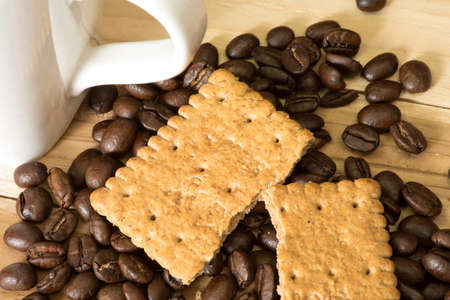 biscuits: Grains of coffee and cookies