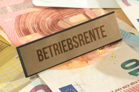 Euro banknotes and the company pension