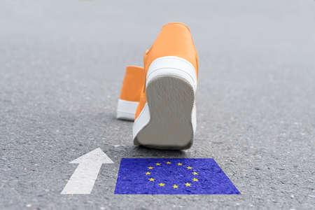 Schuhe gehen in Richtung Europäische Union