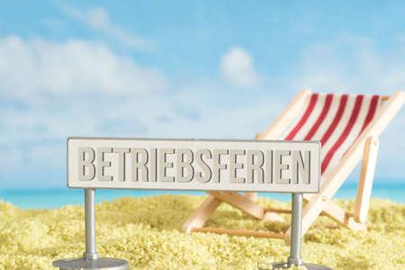 Beach, sunbed and Bertiebsferien