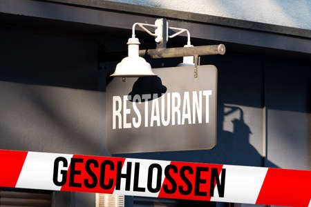Restaurant, barrier tape closed Stockfoto