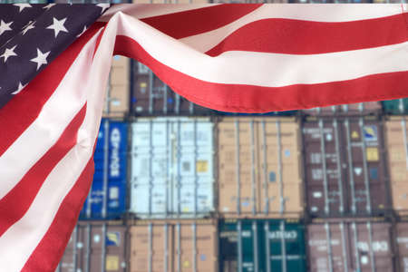 Flag of the USA and containers in the port Standard-Bild