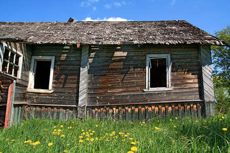 old wooden house photo
