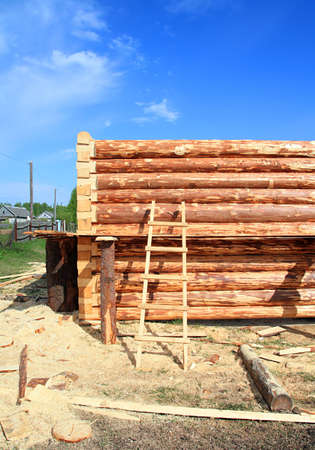 housebuilding: construction of the wooden building