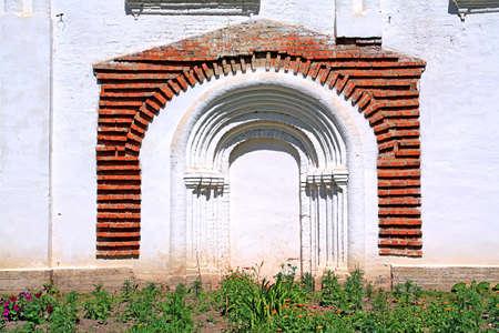 niche: niche in wall church