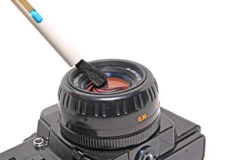 utiles de aseo personal: limpieza de la lente en el fondo blanco