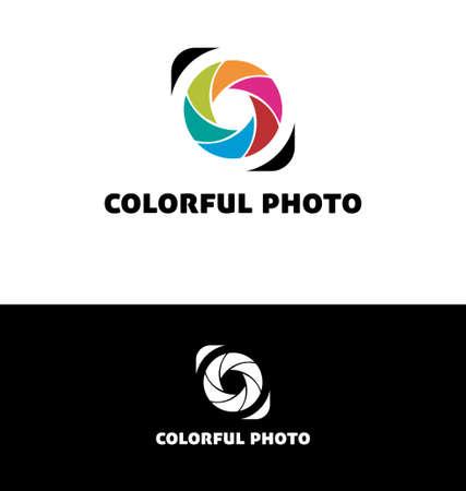 ojos verdes: Fotograf�a de logotipo con hojas de colores Vectores