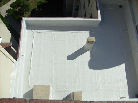Application of roof waterproofing