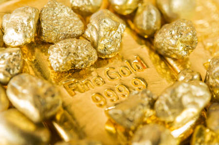 fine gold: pure gold ingots and nuggets.