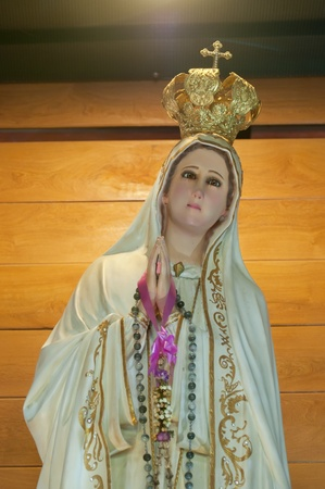 ave: Maria Statue