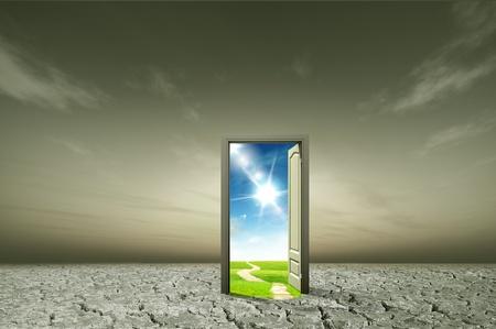 hoopt: Deur openen naar de nieuwe wereld, voor milieu-concept en idee Stockfoto