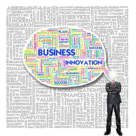 instances: Uomo d'affari e la testa della lampadina con nube Word per concetto di business