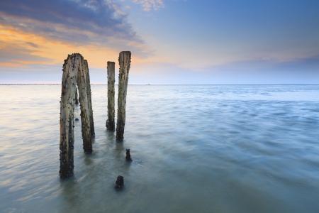 Schöner Abend Sonnenuntergang auf dem Meer